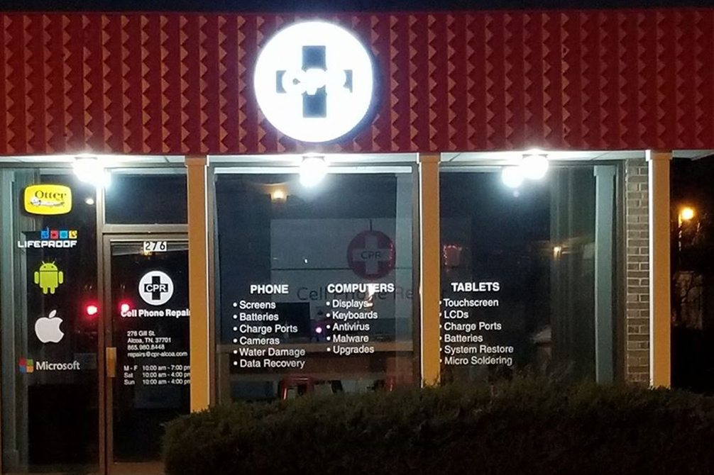 Image of CPR Cell Phone Repair Alcoa TN at Night