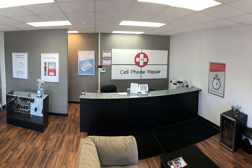 cpr cell phone repair Ames IA - store interior image