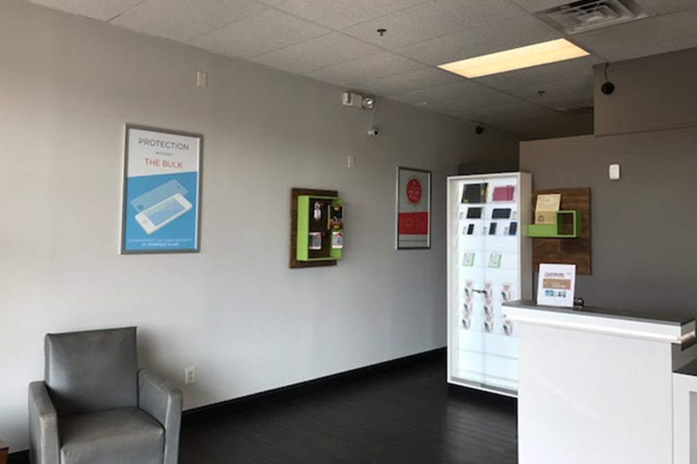 image of inside store cpr cell phone repair cherrydale