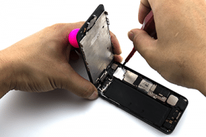 image of iphone 5s battery being replaced