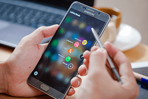Samsung Galaxy Note 5 cracked Screen image
