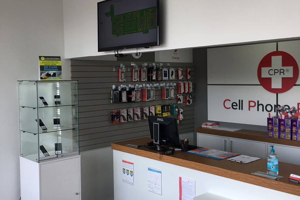 cpr cell phone repair Crestview FL - store interior