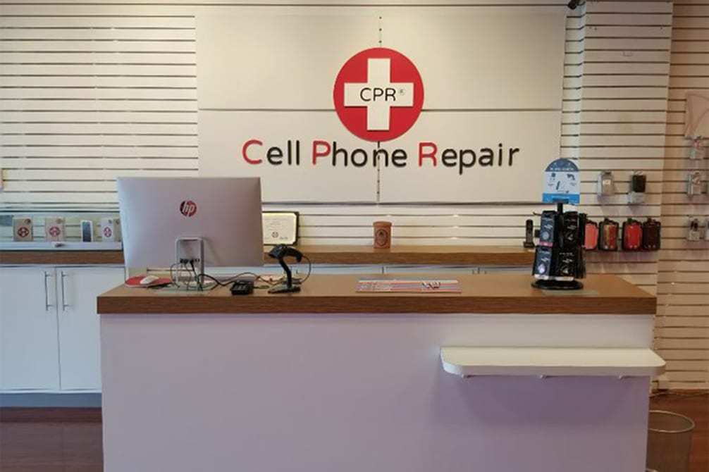CPR Cell Phone Repair Highland Park IL - Store Interior