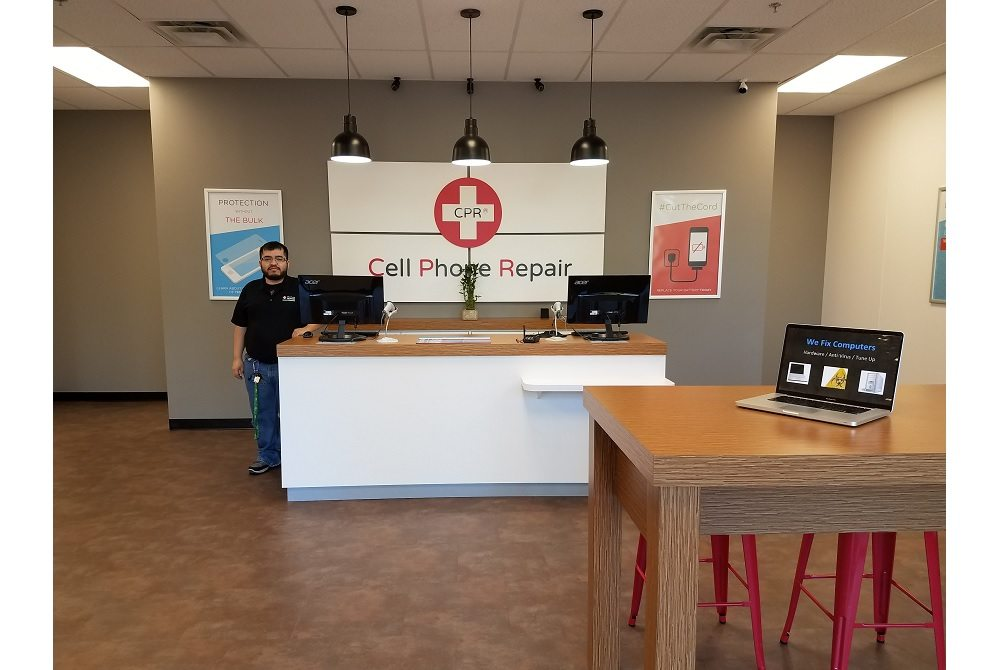 Cell Phone Repair Matthews NC - Store Interior photo