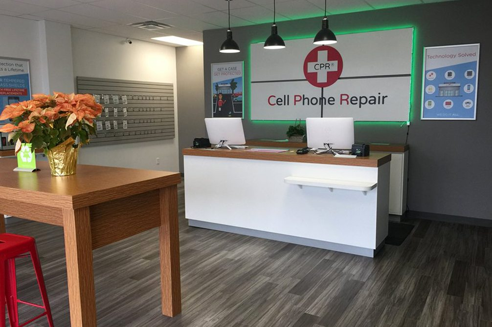 CPR Cell Phone Repair North Kansas City MO - Store Interior
