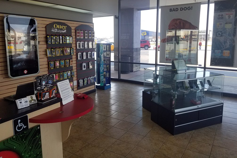 CPR Cell Phone Repair Orland Park IL - Store Interior