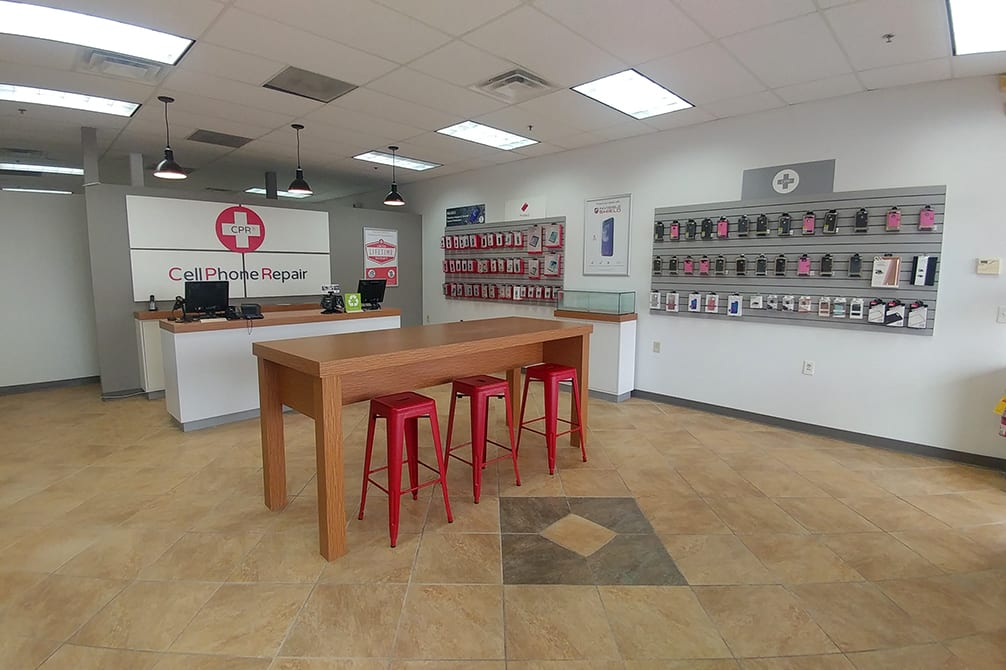 CPR Cell Phone Repair Owensboro KY - Store Interior